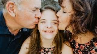 Când am aflat că fiica mea are sindrom Down m-am simțit trădată de Dumnezeu. Greșeam atât de mult…