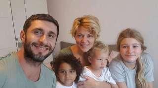 """Dana Nălbaru: """"Am adoptat o fetiţă după ce am cerut lista copiilor pe care nu-i vrea nimeni"""""""